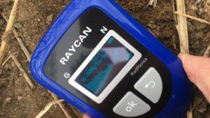 RadPavise 1 cm above soil reads 0.8 µSv/h